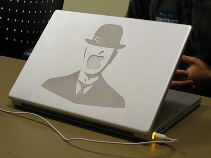 Magritte-PowerBook
