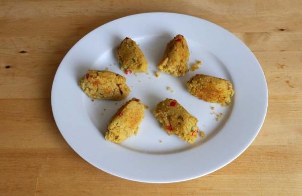 Frikadellen aus roten Linsen und Couscous